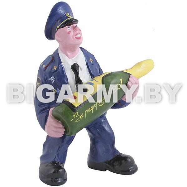 Фигурка гипсовая Сотрудник Полиции с бутылкой шампанского