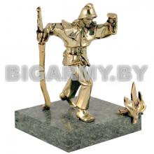 Статуэтка (литье бронза, камень змеевик) Огнеборец