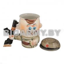 Кружка фарф. (0,5 л) с крышкой Солдат с автоматом